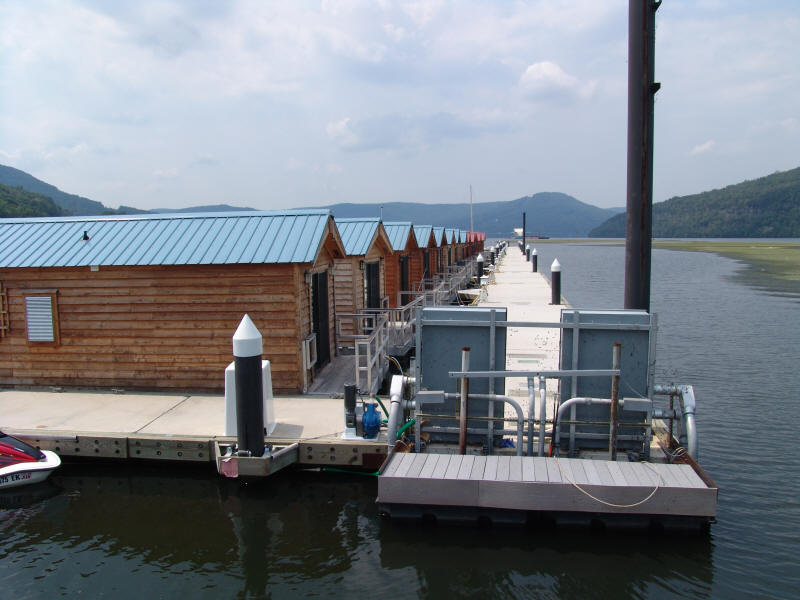 Charmant Hales Has Several Floating Cabins With A Great View.